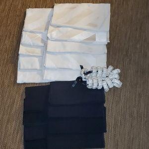 Dinner napkin bundle